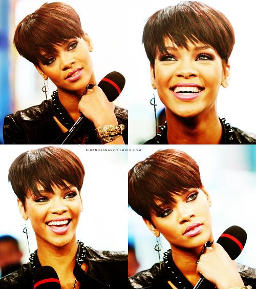 We ♥ Rihanna