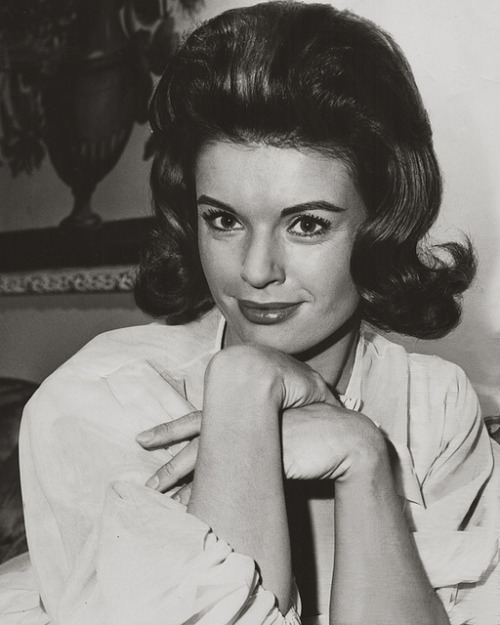 Erika Peters, 1963