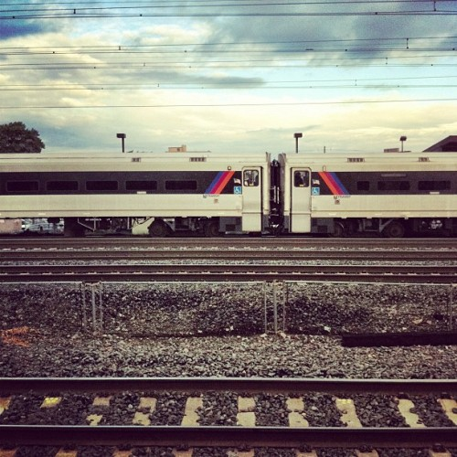 randomjawns:  Taken with Instagram at NJT - Linden Station