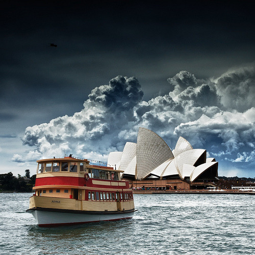 Ferry in front of the Sydney Opera House, Australia (by Marshall Ward)