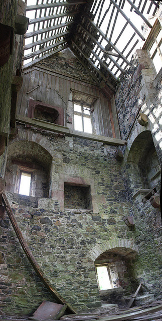 medievallove:  Fatlips tower, Roxburghshire, Scotland. 16th c. by arjayempee on Flickr.