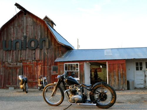 ihatemotorcycles:  union