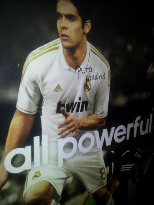 brodeep:  I got this in my inbox. I love it. Kaka sucks. Real Madrid sucks. #FCBarcelona #FCBlive forever.  Visca Barca.