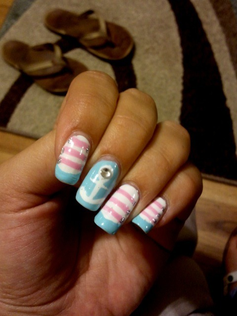 Did these for my sorority's bid day. :) Got the idea from another picture online (red, white, blue, gold polish was used), but I'm not sure WHO did them…sorry I don't know who to give credit to! :(