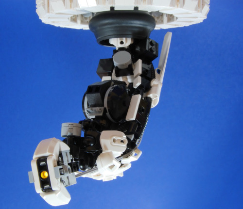 itlego:  GLaDOS - By: Catsy [CSF]  I want this in my house right now! Lego GLaDOS? YES