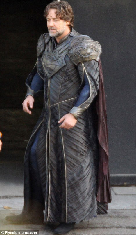 comicsatthemovies:  First Look at Russell Crowe in Costume as Jor-El in Zack Snyder's Man of Steel!  Meh… Then again, that's my opinion of Russell Crowe in general so…