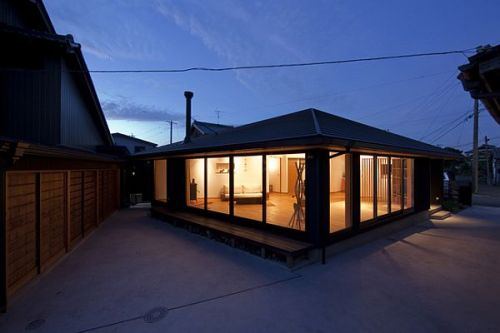 Pentagonal House, Tsushima City, Nagoya, Japan | Kazuya Morita Architecture Studio Lovely marriage of modern minimalism and traditional Japanese design…   Other projects by Kazuya Morita: the Shelf-Pod house, for a not-so-average bibliophile:   and the Concrete-Pod, a dwelling for a younger variety of design enthusiast: