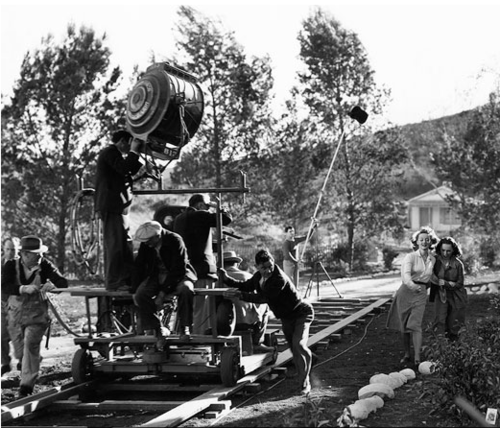 errolivio:  Filming Bette Davis & Geraldine Fitzgerald in 'Dark Victory' - This scene was brilliant! The acting was mind-blowing!