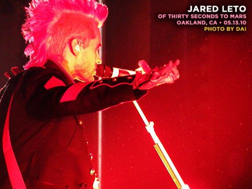 jl: oakland, ca@  the fox theater (05.13.10) • the first time i ever got to watch a full set from the side of the stage… and it was pretty damn awesome. ♪ thirtysecondstomars.com @ 30secondstomars @ jaredleto