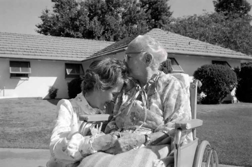 There's really nothing like being with mom.  Nancy Reagan with her mother, Edith Davis in Phoenix, Arizona.  October 5, 1982.