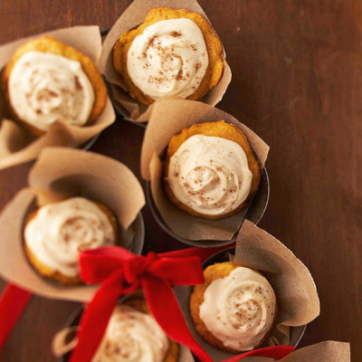 Melt-in-Your-Mouth Pumpkin Cookies with Buttery, Brown Sugar Frosting ….these look gooood!