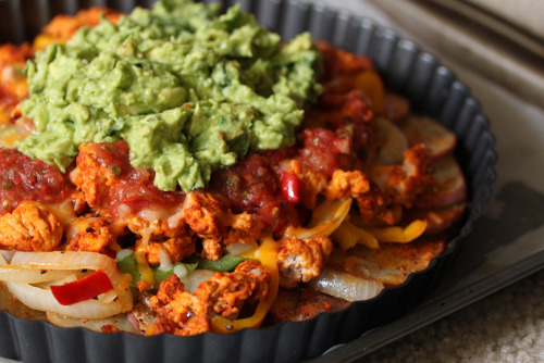 gastrogirl:  irish nachos with guacamole.