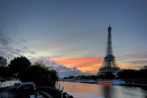 Paris - Eiffel Tower at Sunrise by meenaghd on Flickr.
