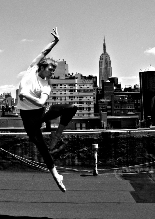 theballetblog:  roofs of a sleepless city dancer - Ian Schwaner