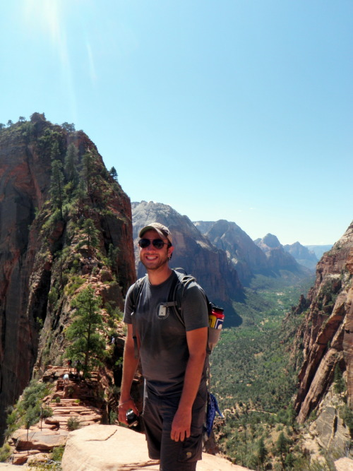 h3k:  This is as far as I made up Angels Landing trail. My healthy respect of heights won out.