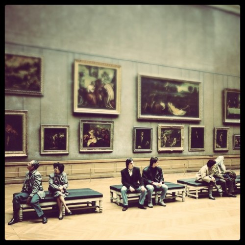Thomas Struth - Musée du Louvre III, 1989. Modified using instagram. View original version here.