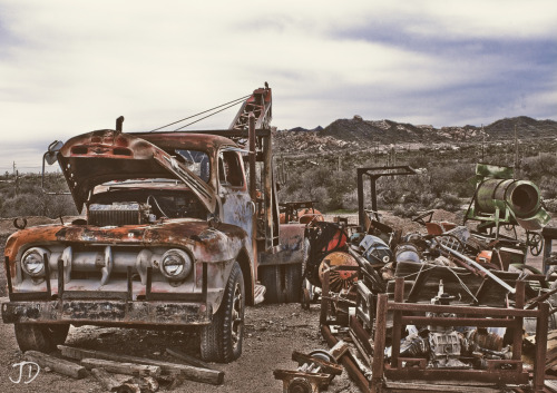jakedphotography:  HDR  This looks like something I saw at lost dutchman, but i mean abandoned old tow trucks in the desert all look the same right? I need to get back out to AZ.. so many photograophy opportunities..