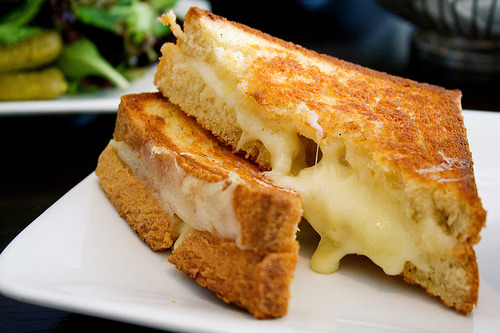 cravingsforfood:  Grilled cheese sandwich. Recipe here.
