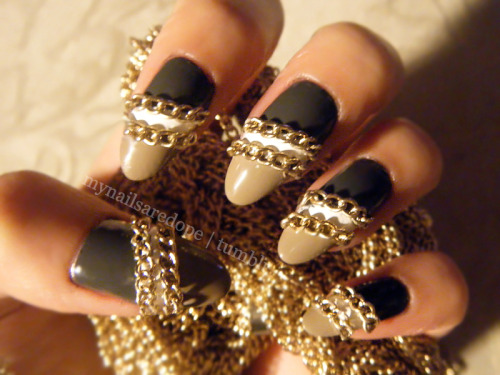 mynailsaredope:  Essie's Power Clutch & Case Study with some chainsss.