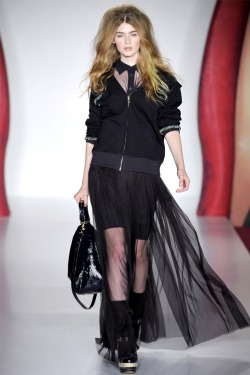 loosen:  Eve Delf in Mulberry S/S 2012 RTW.