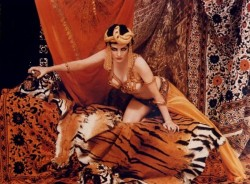 theniftyfifties:  Marilyn Monroe dressed as Theda Bara in Cleopatra, 1958. Photo by Richard Avedon.