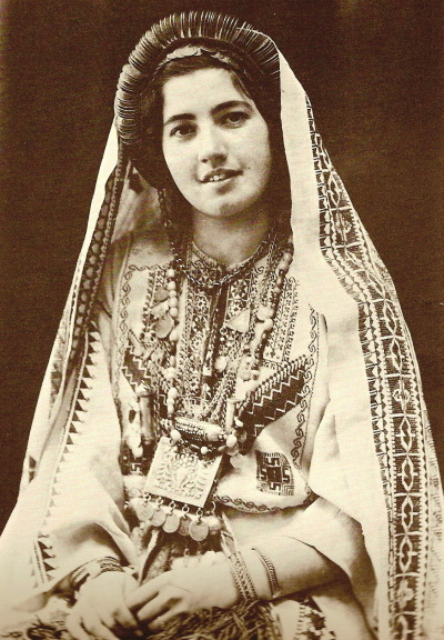 elhieroglyph:  Ruth Raad in the traditional costume of Ramallah, circa 1943. Khalidi, Walid. Before Their Diaspora: A Photographic History of the Palestinians 1876-1948. Washington D.C.: Institute for Palestine Studies, 1991.