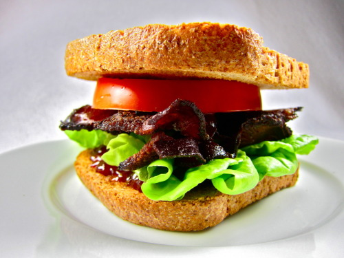 BLT using Confituras Harvest Tomato Jam and Dai Due Molasses Bacon.