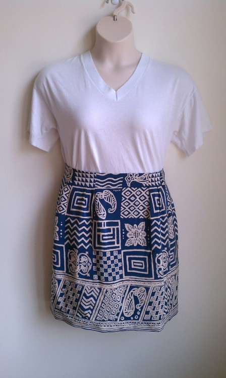 Size L high waist 100% silk skirt 15.00 usd + shipping