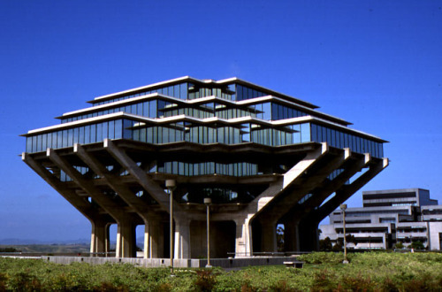 Our Library of the Week - The Geisel Library at the University of California San Diego.
