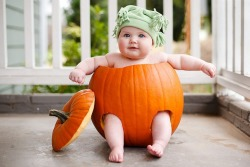 quizzicalcee:  funny-pictures-uk:  This baby is more than prepared for halloween  Chubby bb <3