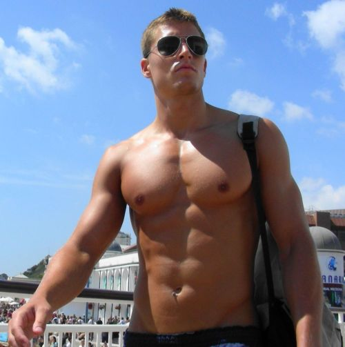 HunkDude: ♂   No shirt required!  Yeah, it's a repost, but it's too hot not to reblog, again.  It's been awhile.  (Click image for hi-res.)