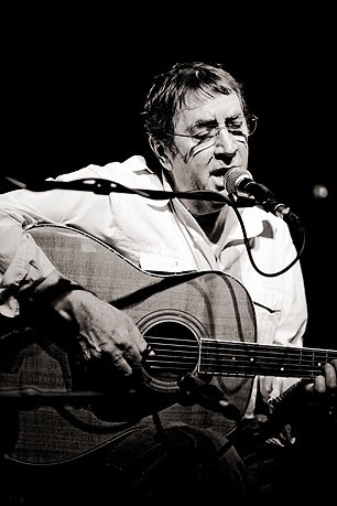 Bert Jansch - 3 November 1943 – 5 October 2011. So sad to hear of the passing of Bert Jansch today, he was a brilliant guitarist and an influence to many including Jimmy Page, Neil Young, Johnny Marr and Bernard Butler to name but a small few. In an era when everyone else was plugging in and amping up, he effortlessly outshone them on acoustic, always displaying brilliant dexterity and sophistication. Send your guitars to www.guitarporn.co.uk/submit Like us at www.facebook.com/guitarporn Follow us at www.twitter.com/guitarporn