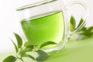 "drjayweber:  Green tea may slow down weight gain and serve as another tool in the  fight against obesity, according to Penn State food scientists. Obese mice that were fed a compound found in green tea along with a  high-fat diet gained weight significantly more slowly than a control  group of mice that did not receive the green tea supplement, said Joshua  Lambert, assistant professor of food science in agricultural sciences. ""In this experiment, we see the rate of body weight gain slows down,"" said Lambert.  Read More Dr. Jay's Note:  More research showing the health benefits of drinking green tea. If you have not added a least one cup of green tea to your daily routine, What are you waiting for??"
