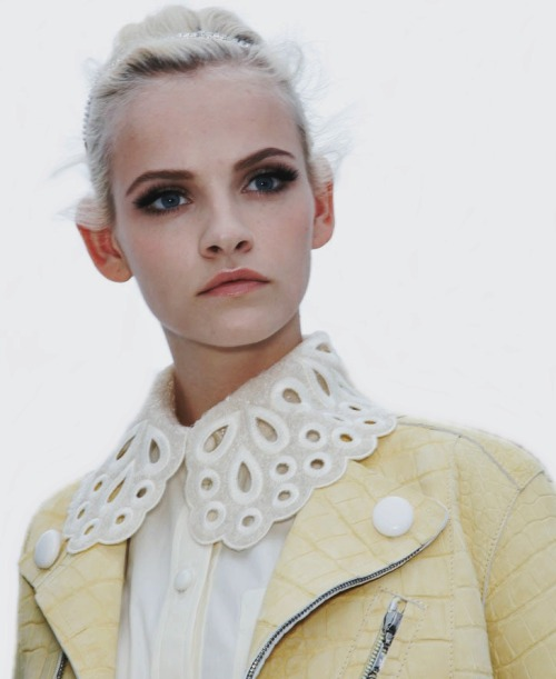 erytheis:  Ginta Lapina at Louis Vuitton Spring Summer 2012