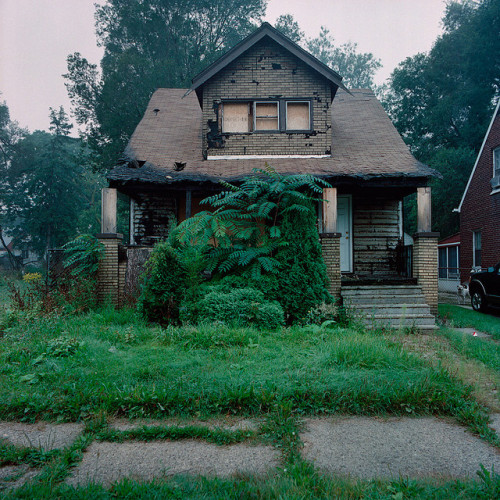 mentalfornication:  Abandoned house in Detroit, Michigan by Kevin Bauman on Flickr.