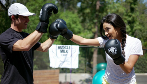 traindontstrain:  Shay Mitchell Kick Boxing