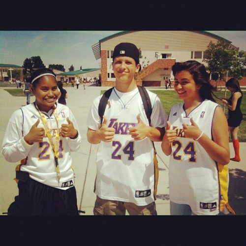 #sophomore year for #sports day, #homecoming #week. #lakers #la #LosAngeles #jerseys #kobebryant #fans #kb24 #Kobe #bryant #NBA #basketball #love #support #Filipino #filipina #Asian #Mexican #white #hat #cap  (Taken with instagram)