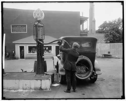 maudelynn:  Pumping Gas in DC vintage photo