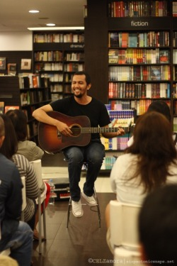 Johnoy Danao performed songs from his album Dapithapon at Fully Booked High Street last October 1. His album was also sold during the event with an album signing held afterwards. To view more of the photos: http://siopaotonicsnaps.net/