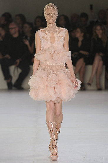 (via Alexander McQueen Spring 2012 Photo 17)