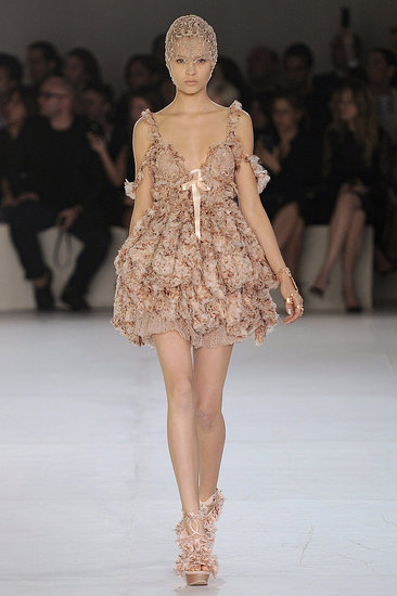 (via Alexander McQueen Spring 2012 Photo 24)