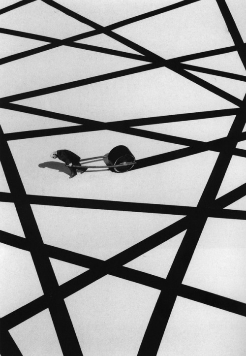 Gilbert Garcin (b.1929, France) - 147, Home straight (2000) [Gilbert Garcin on ARTchipel] (artchipel)