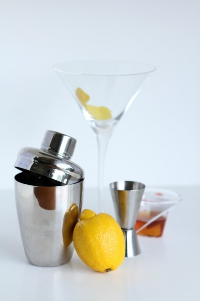 When life gives you lemons, make Lemon Martinis!!! Happy FRIDAY lovelies;-) Ingredients: -1 ounce Cognac-3/4 ounce Cointreau-3/4 ounces lemon juice-1/4 cup sugar for decoration Directions: 1. Pour about 1/4 cup of sugar onto a plate large enough to fit the rim of the glass. Set aside.2. Fill shaker with ice and combine Cointreau, brandy, and lemon juice. Shake vigorously. 3. Wet the rim of the martini glass with a lemon wedge, then coat rim using sugared plate. From the shaker, strain the mixture into the glass and serve! (source- 1950s Cocktail: Sidecar | theglitterguide.com)