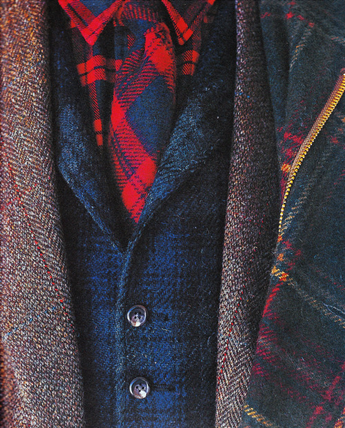 kieljamespatrick: Plaid on plaid on tweed on herringbone on plaid on checkers on checkers.  Can you guess what patterns/Icons on my boxers?