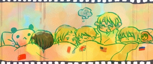 mina1914:  burstrondocg:  Sleeping allies… D'awwww! <3  AWWWWWWWWWW   AWWWW LOOKIT LIL FRANCIS AND ARTHUR ALL CUDDLED UP