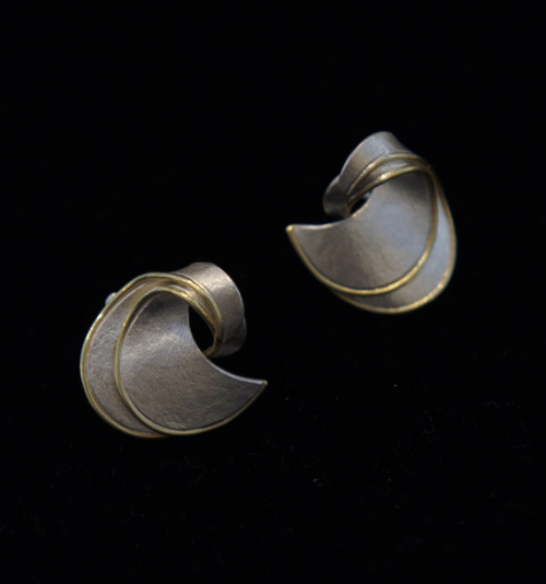 "Mariko Husain: Earrings, 2011, Sterling silver, 18K gold, 3/4"" x 3/4"" x 1/2"" / Keiko Gallery - Japanese artists"