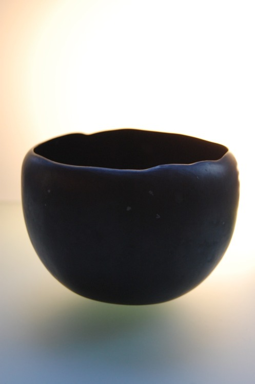 "Niisato Akio: Black Tea Bowl, 2011, Glazed porcelain, 5"" x 5"" x 3"" / Keiko Gallery - Japanese artists"