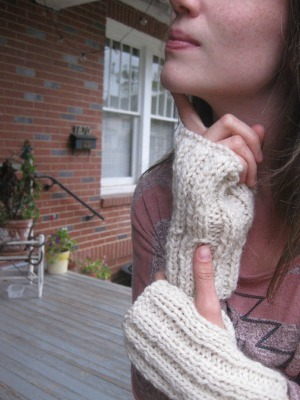 beginning knitting at Community! we'll be making cozy fingerless mitts for fall! the class is this tuesday, october 11th from 6:30-8:30pm. call 706.316.2067 or go by Community on Jackson Street to sign up. only $10! yaywoooooaahhhhh!
