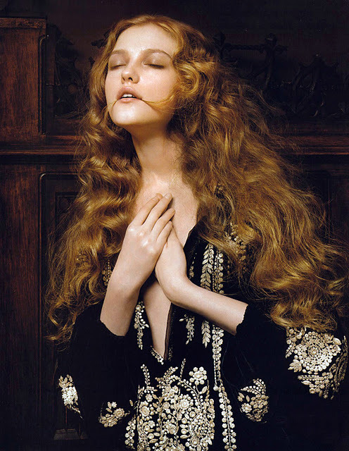 aurulent:  Vlada Roslyakova by Pierluigi Maco for Vogue China, January 2007