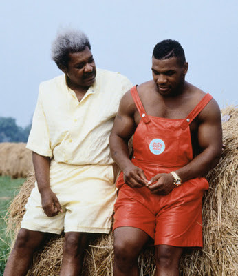 Bros… Sometimes you just need a bro. In a field. In shiny red overalls.   (Thx IP)